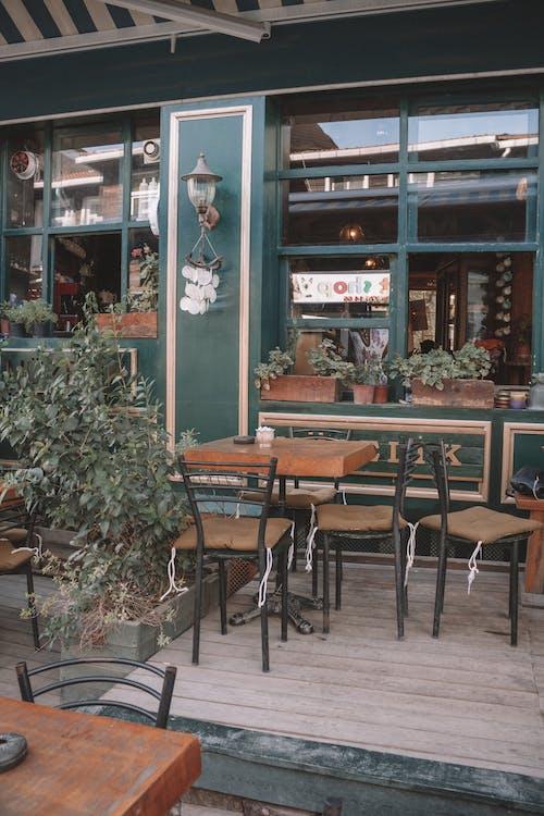 açık hava, ahşap, bar, bitkiler içeren Ücretsiz stok fotoğraf