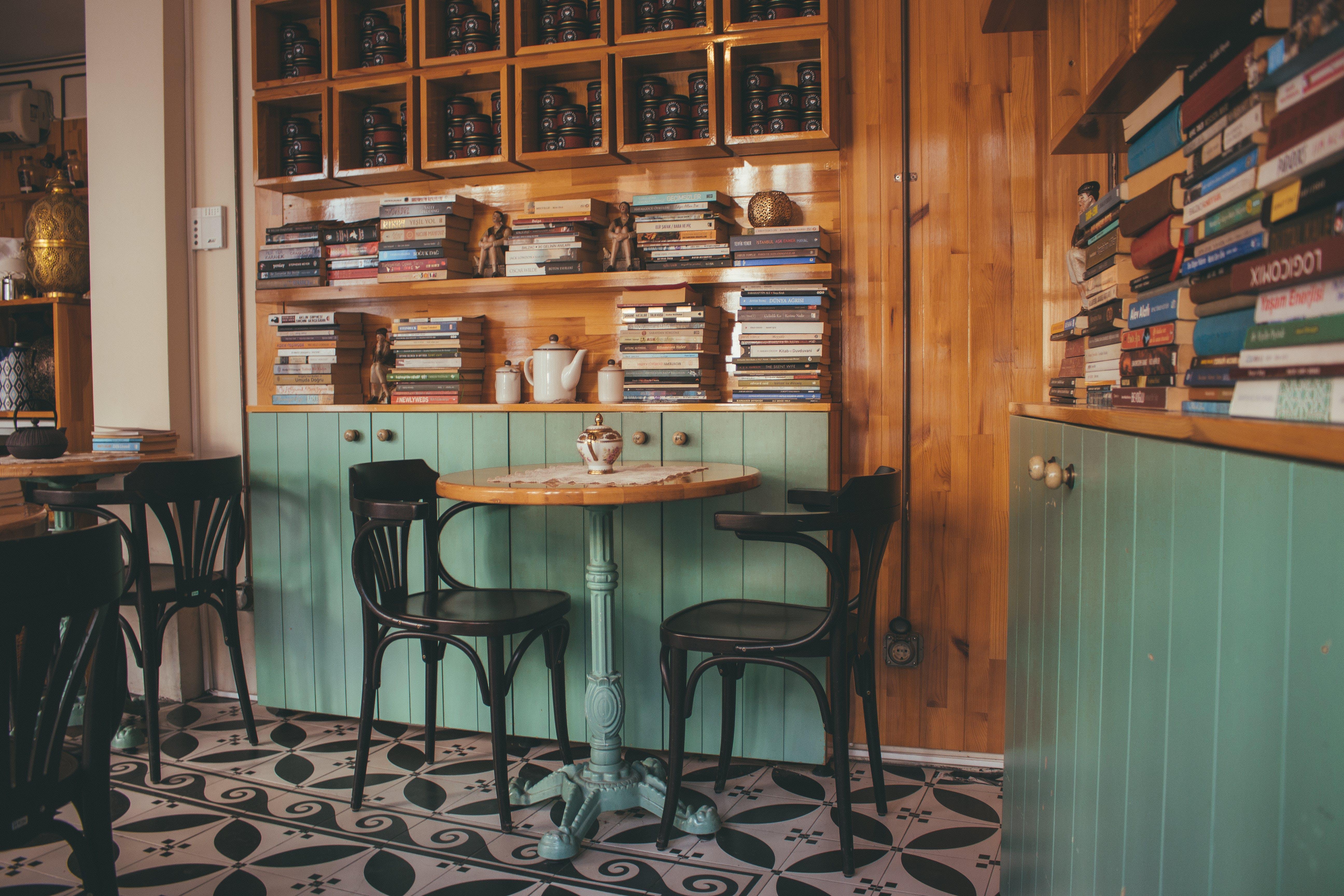Безкоштовне стокове фото на тему «архітектура, Деревина, дерев'яний, журнальний столик»