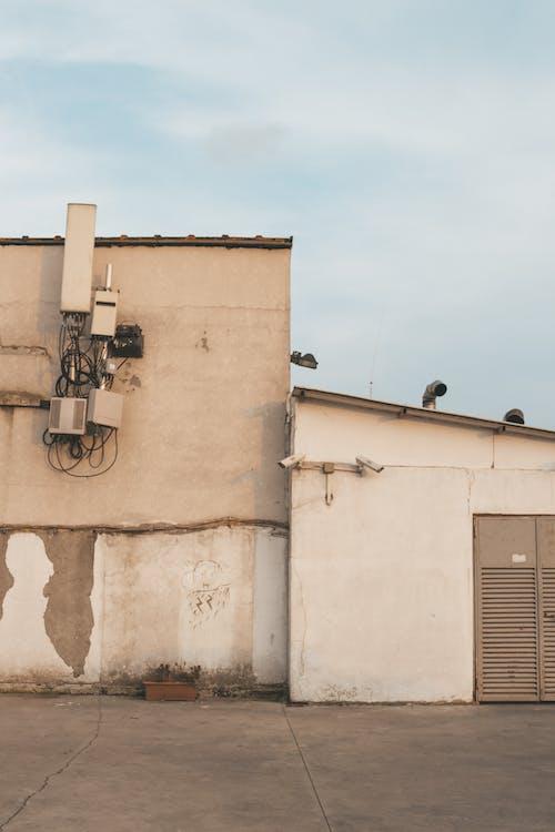 Foto d'estoc gratuïta de abandonat, arquitectura, brut, ciutat