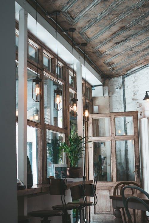 Základová fotografie zdarma na téma architektura, denní světlo, design interiéru, dřevěný
