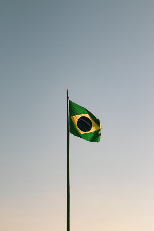 Fotobanka sbezplatnými fotkami na tému Brazília, signalizovať, stožiar, vietor