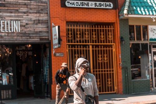 人行道, 商店, 商行, 城市 的 免费素材照片