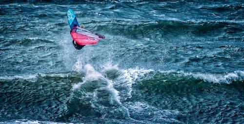 Fotos de stock gratuitas de acción, atleta, cerca del mar, dice adiós