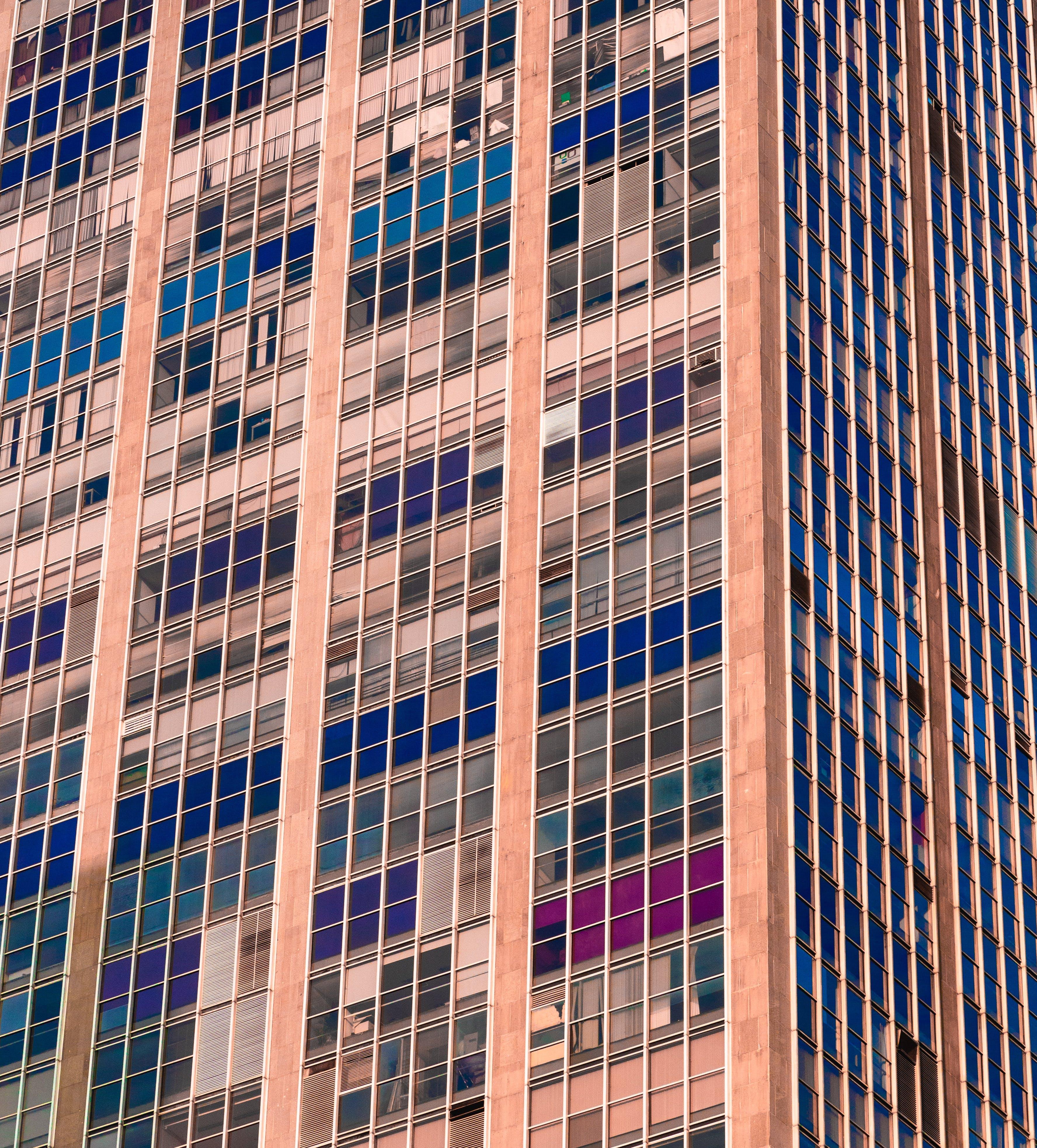 คลังภาพถ่ายฟรี ของ กระจก, กลางวัน, การออกแบบสถาปัตยกรรม, ตึกระฟ้า