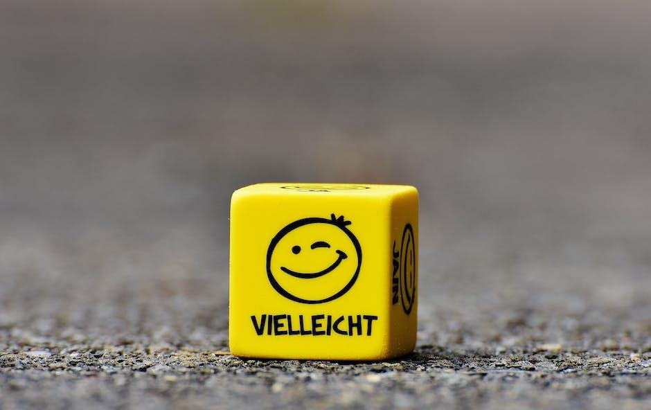 Yellow Vielleicht Dice