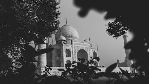 Darmowe zdjęcie z galerii z architektura, atrakcja turystyczna, budynek, czarno-biały