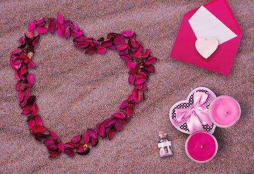 Безкоштовне стокове фото на тему «вітальна листівка, день Святого Валентина, дизайн, квіти»