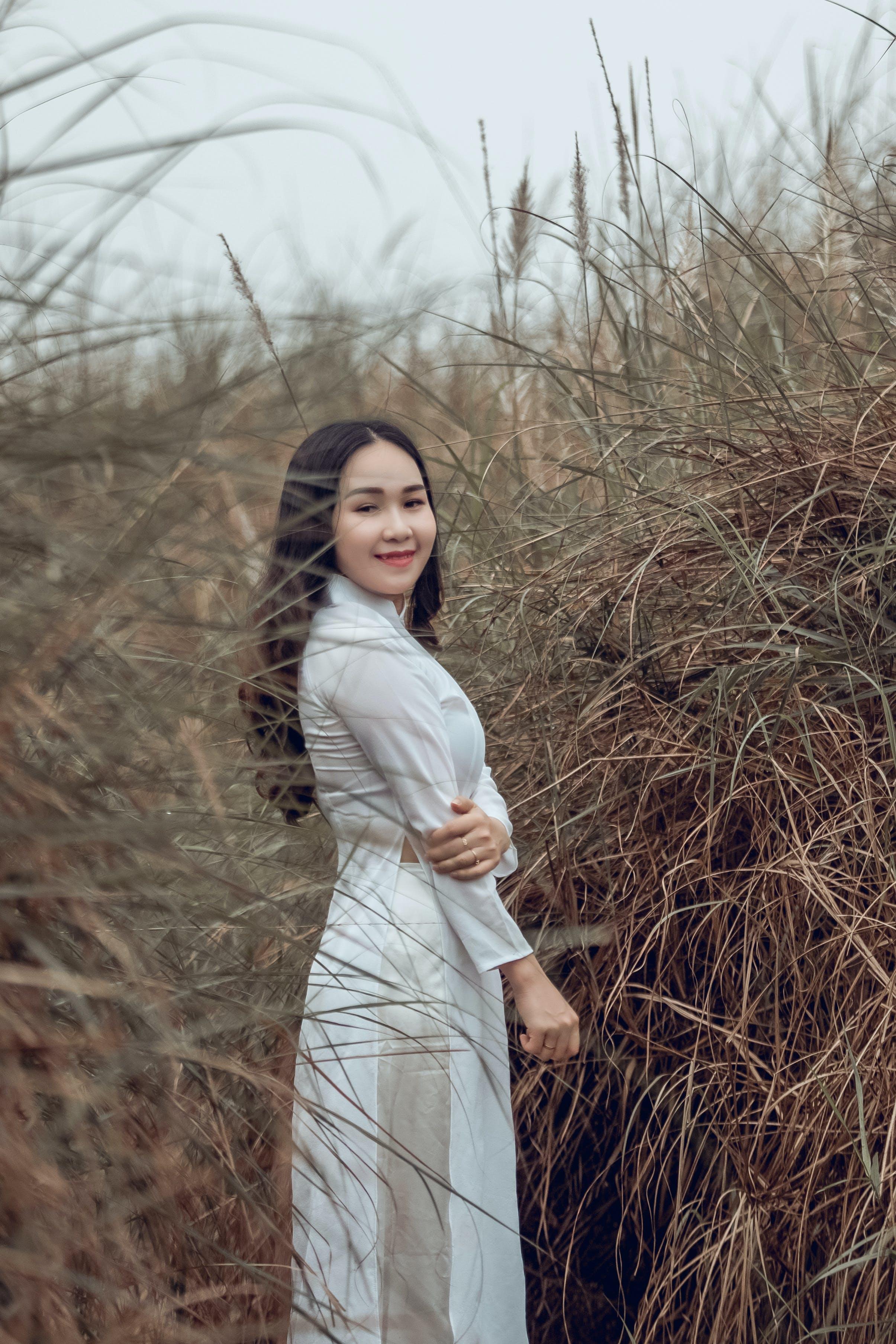 亞洲女人, 亞洲女孩, 休閒, 傳統服飾 的 免费素材照片