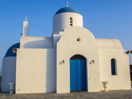 Безкоштовне стокове фото на тему «ayios nikolaos, архітектура, білий, Будівля»
