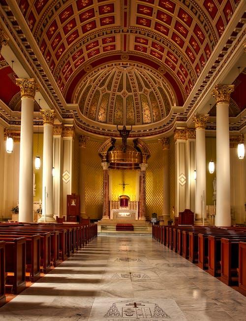 Fotos de stock gratuitas de adentro, adorar, altar, arco