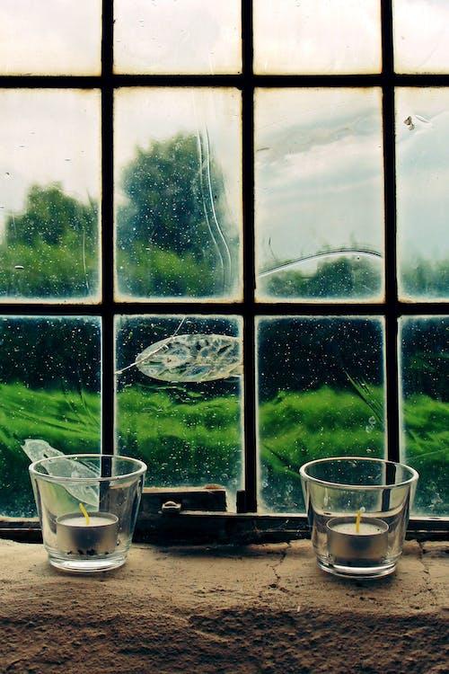 Základová fotografie zdarma na téma okno, sklenice, svíčky