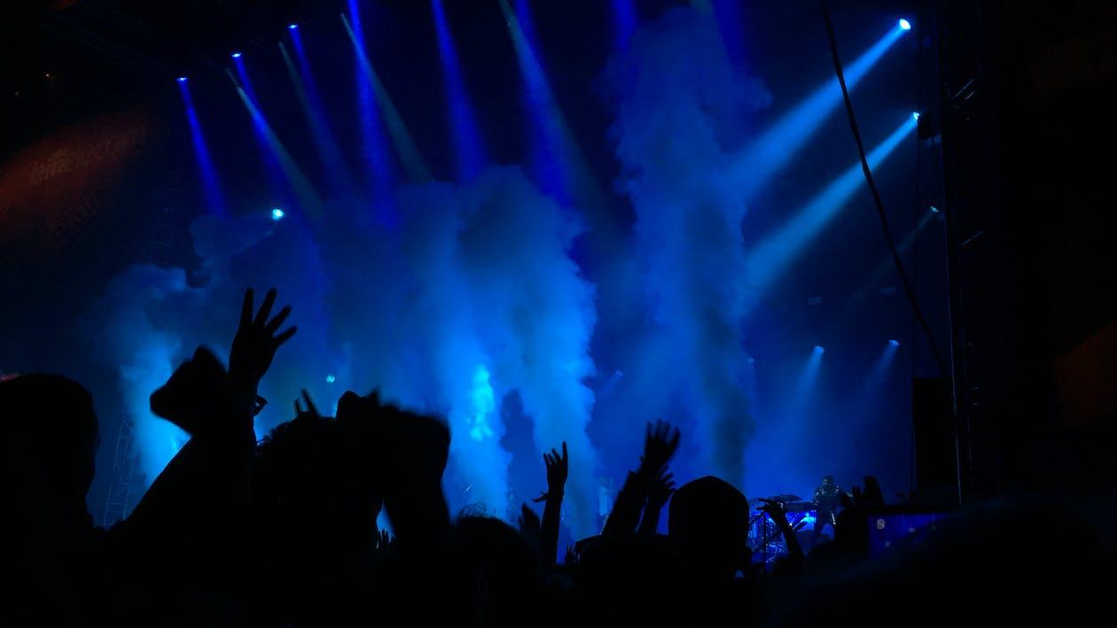 bleu, bombe fumigène, concert