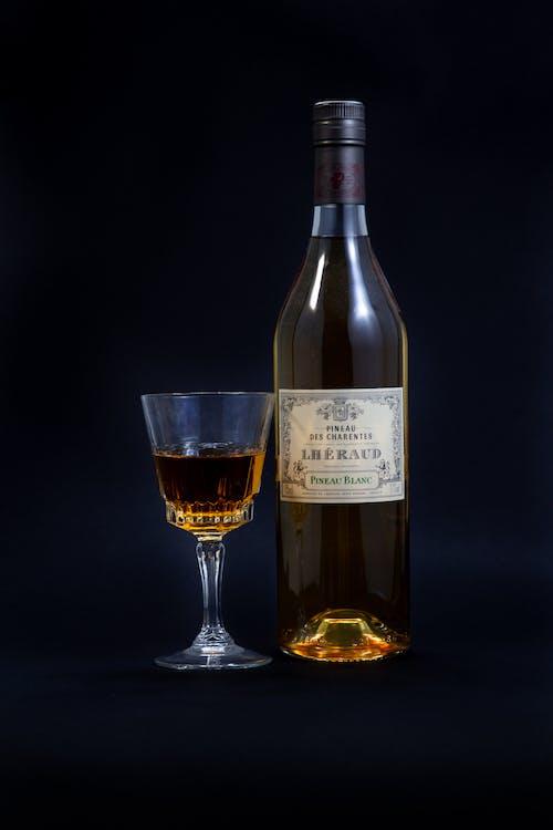 Δωρεάν στοκ φωτογραφιών με pineau, γαλλικό κρασί, γυαλί, κίτρινη
