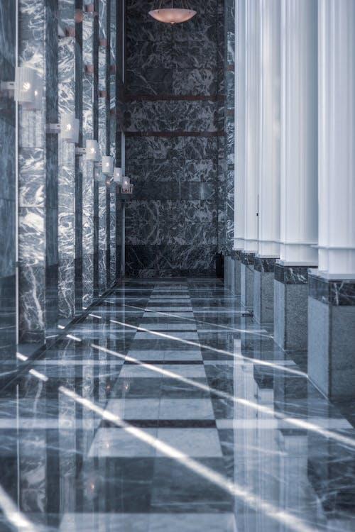 Ilmainen kuvapankkikuva tunnisteilla arkkitehdin suunnitelma, arkkitehtuuri, aula, heijastukset