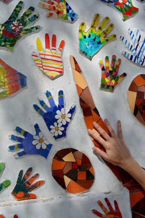 Foto stok gratis artistik, bentuk, beraneka warna, cetak tangan