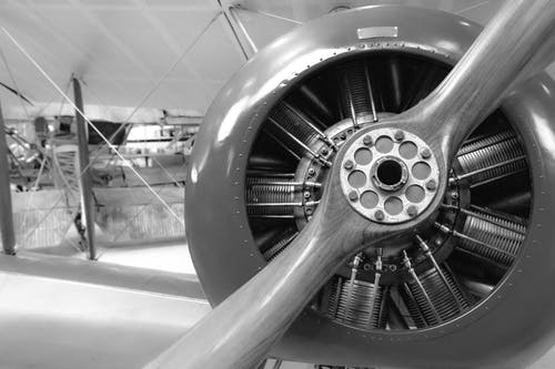Ảnh lưu trữ miễn phí về cánh quạt máy bay, đen và trắng, màu xám, Máy bay