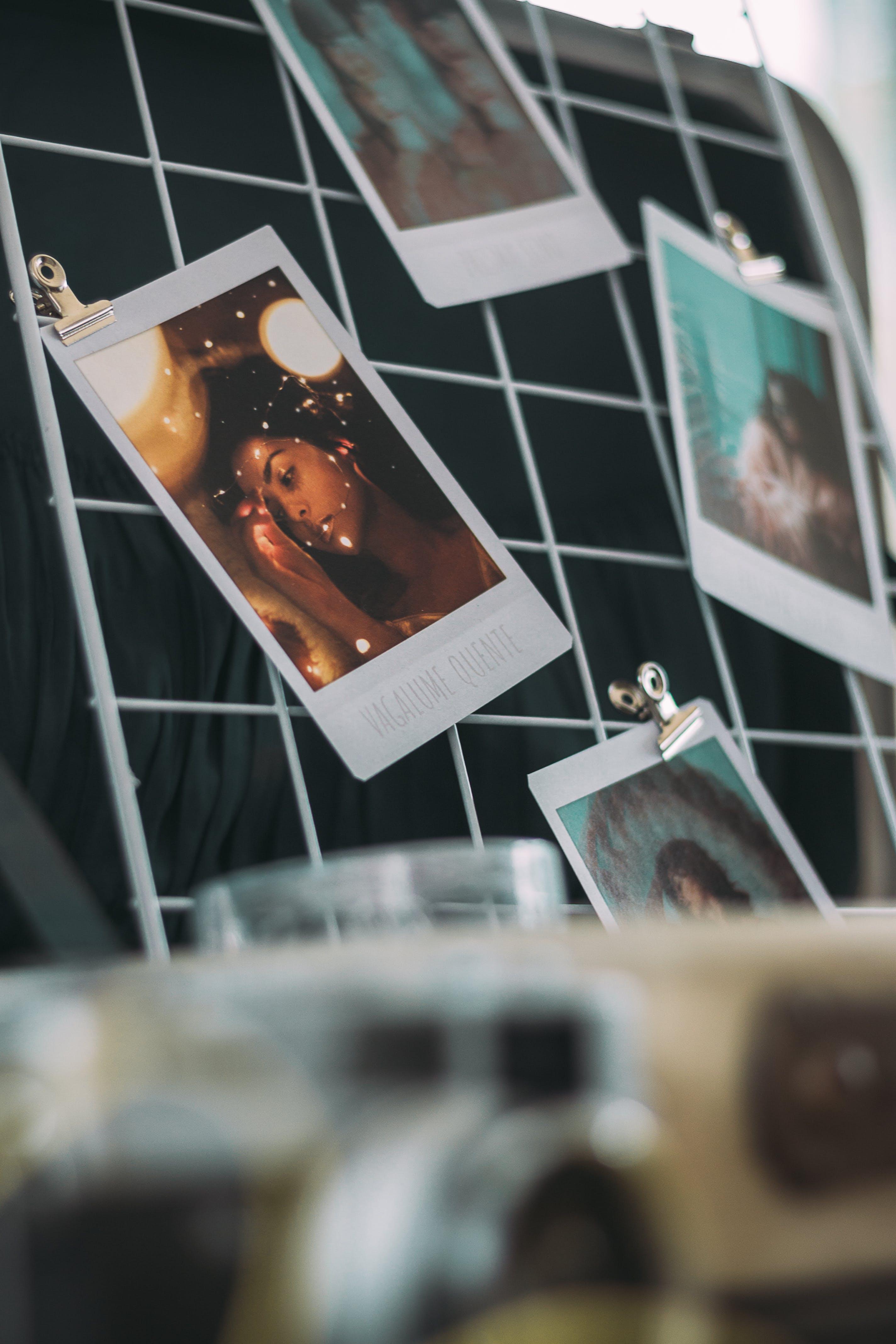 Бесплатное стоковое фото с висячий, камера, размытый, снимок крупным планом