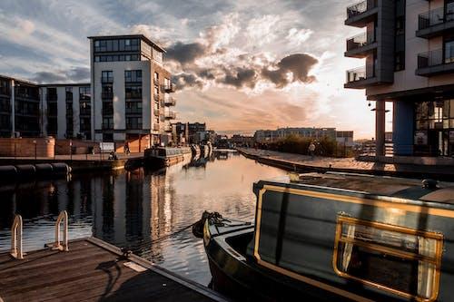 Ảnh lưu trữ miễn phí về bầu trời, bờ sông, các tòa nhà, con kênh