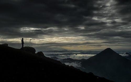 Immagine gratuita di cielo nuvoloso, fotografo, montagna