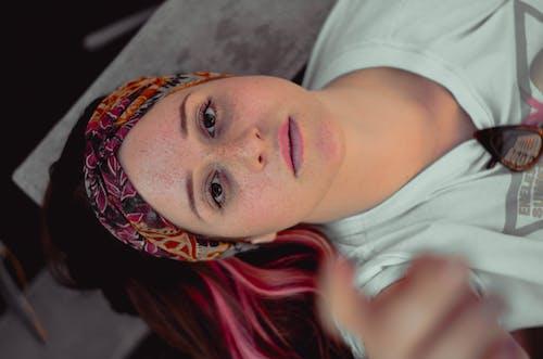 Foto stok gratis aksesori kepala, atraktif, bagus, berbayang