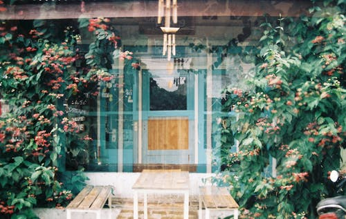 Δωρεάν στοκ φωτογραφιών με αγορά ακινήτων, αστικός, είσοδος, εξωτερική άποψη σπιτιού