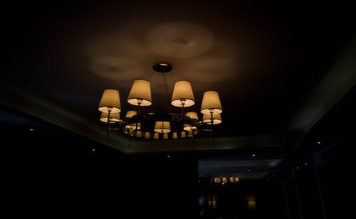 Fotos de stock gratuitas de #mobilechallenge, arquitectura, arquitectura moderna, candelabro