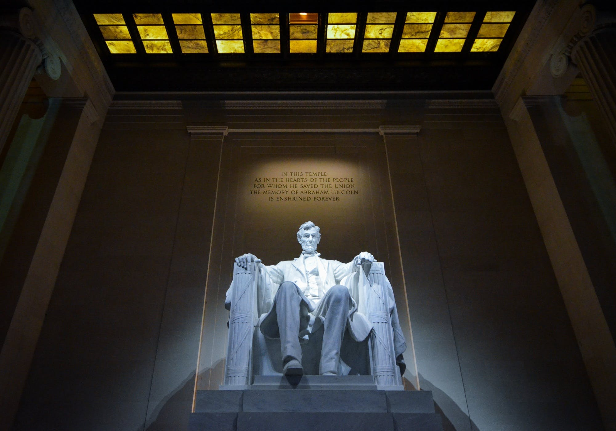 Abraham Lincoln Sitting on Chair Statue