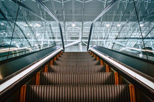 ガラスパネル, ステップ, ローアングルショット, 天井の無料の写真素材