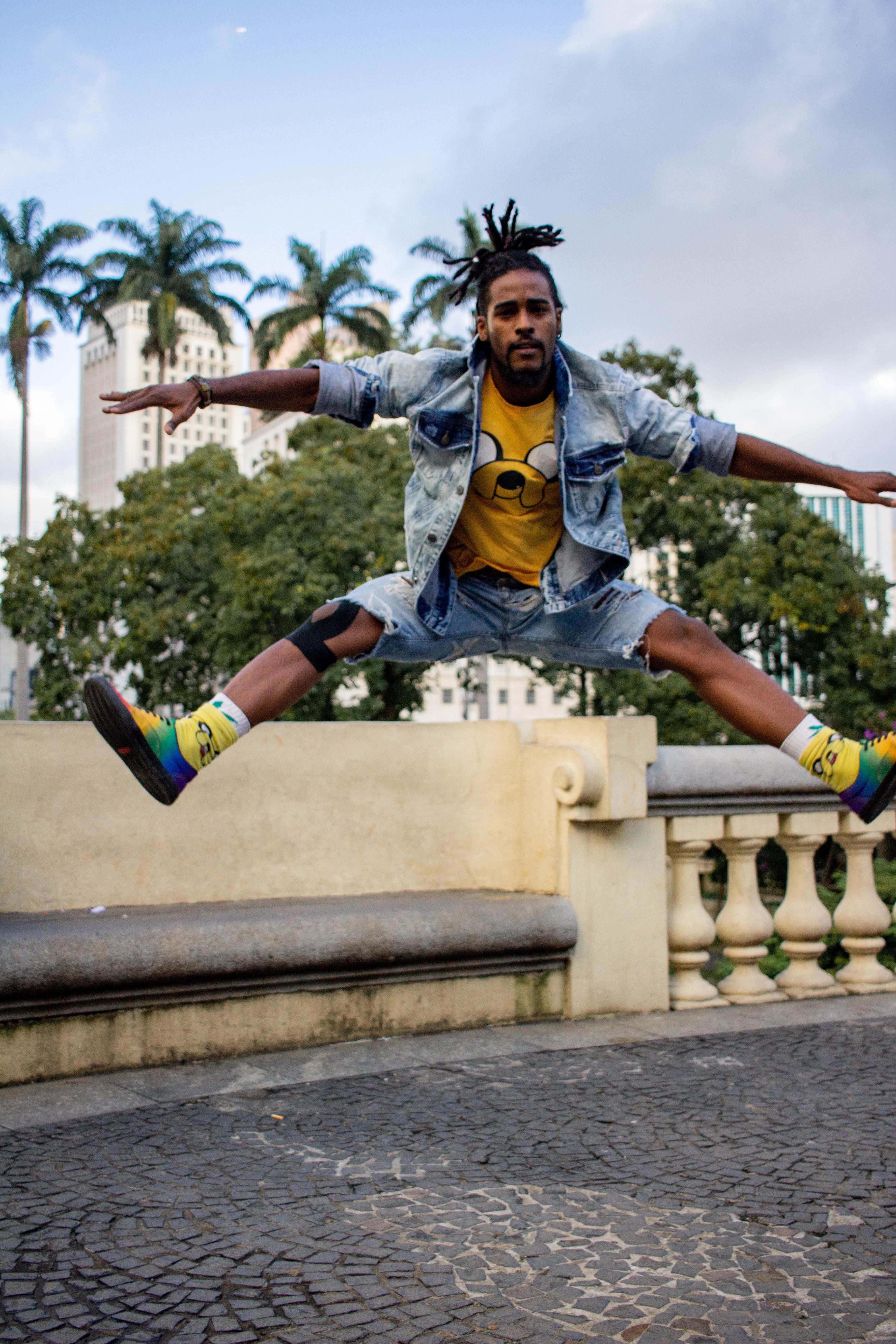 Základová fotografie zdarma na téma aktivní, černoch, focení, městský