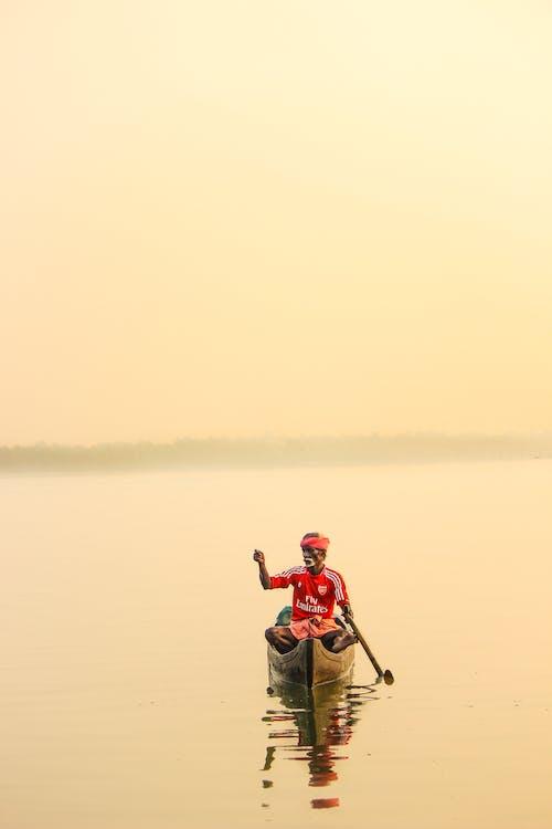 Základová fotografie zdarma na téma akce, dospělý, jezero, muž