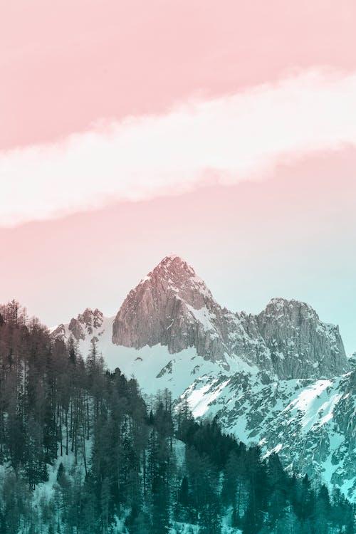 凍結的, 天性, 山