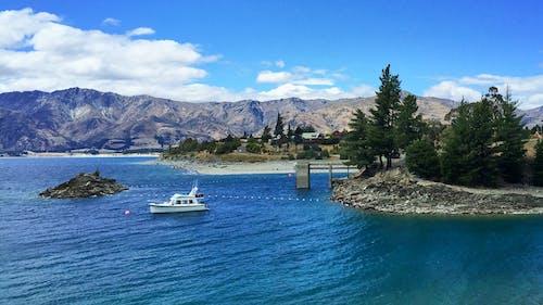 Immagine gratuita di acqua, barca, cielo