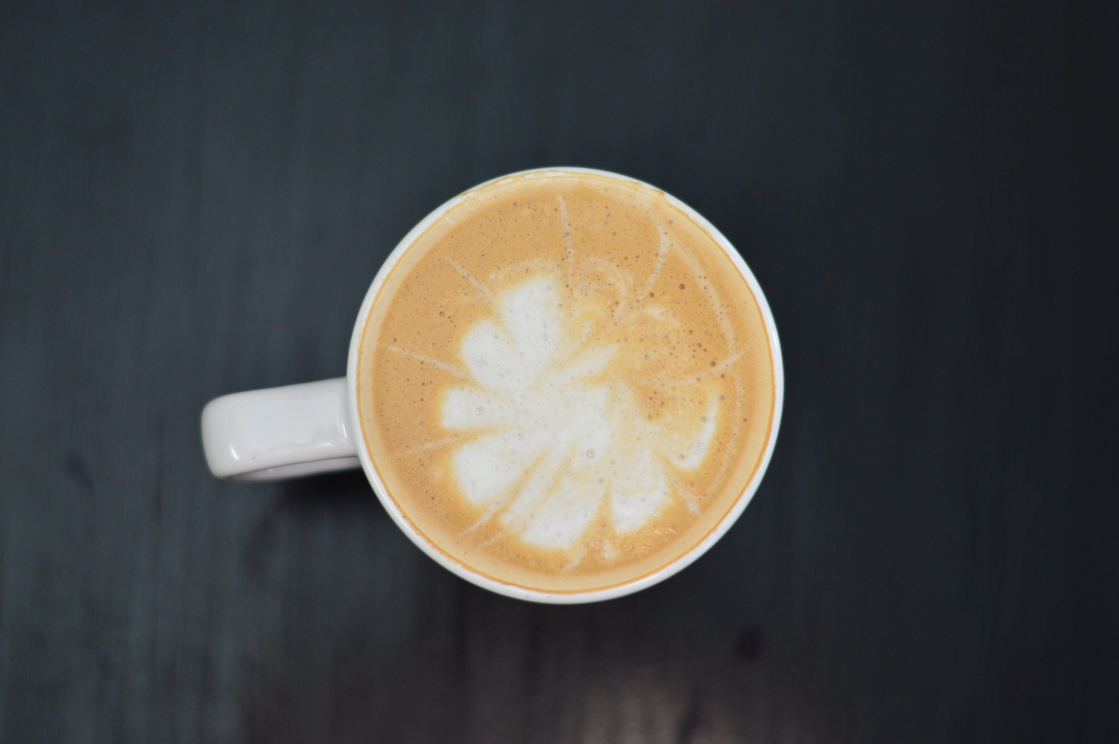 คลังภาพถ่ายฟรี ของ กาแฟ, กาแฟในถ้วย, ของว่าง, คาปูชิโน่