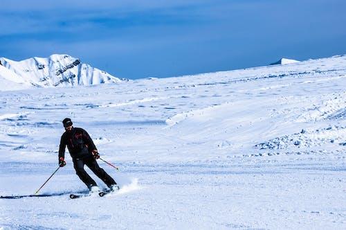 눈, 눈 덮인 산, 스키, 스키 리조트의 무료 스톡 사진