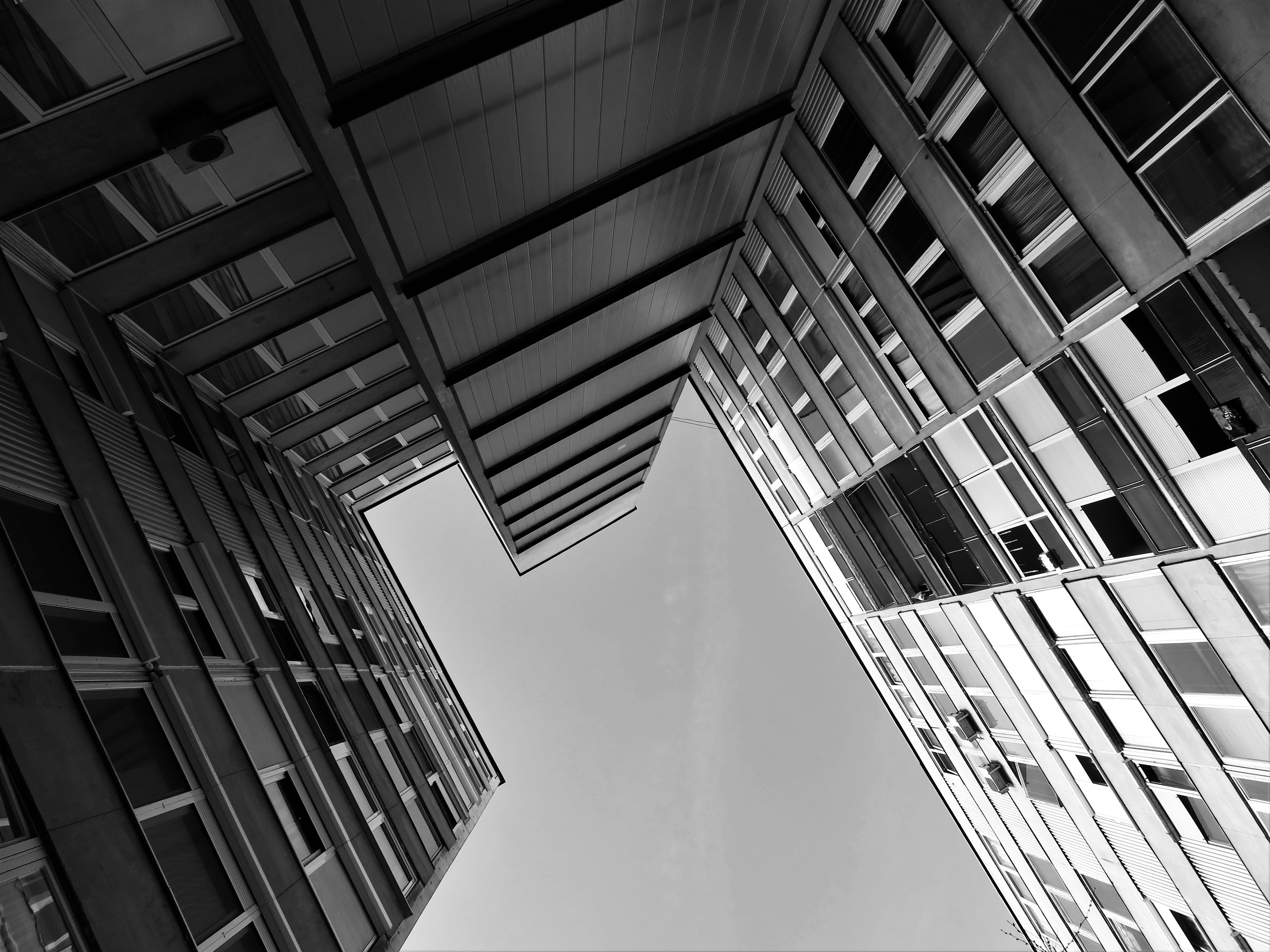 Ilmainen kuvapankkikuva tunnisteilla arkkitehdin suunnitelma, arkkitehtuuri, futuristinen, kuva alakulmasta
