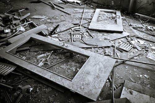Fotos de stock gratuitas de abandonado, acero, arquitectura, basura
