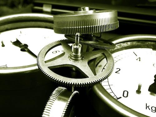 Základová fotografie zdarma na téma Analogový, čas, černobílý, klasický