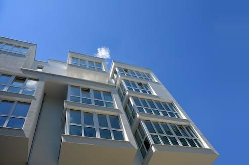 Fotobanka sbezplatnými fotkami na tému apartmány, architektúra, budova, denné svetlo