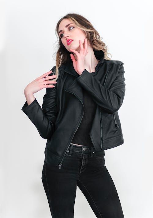 Ingyenes stockfotó arc modell, bőrkabát, divatmodell, fekete bőr témában