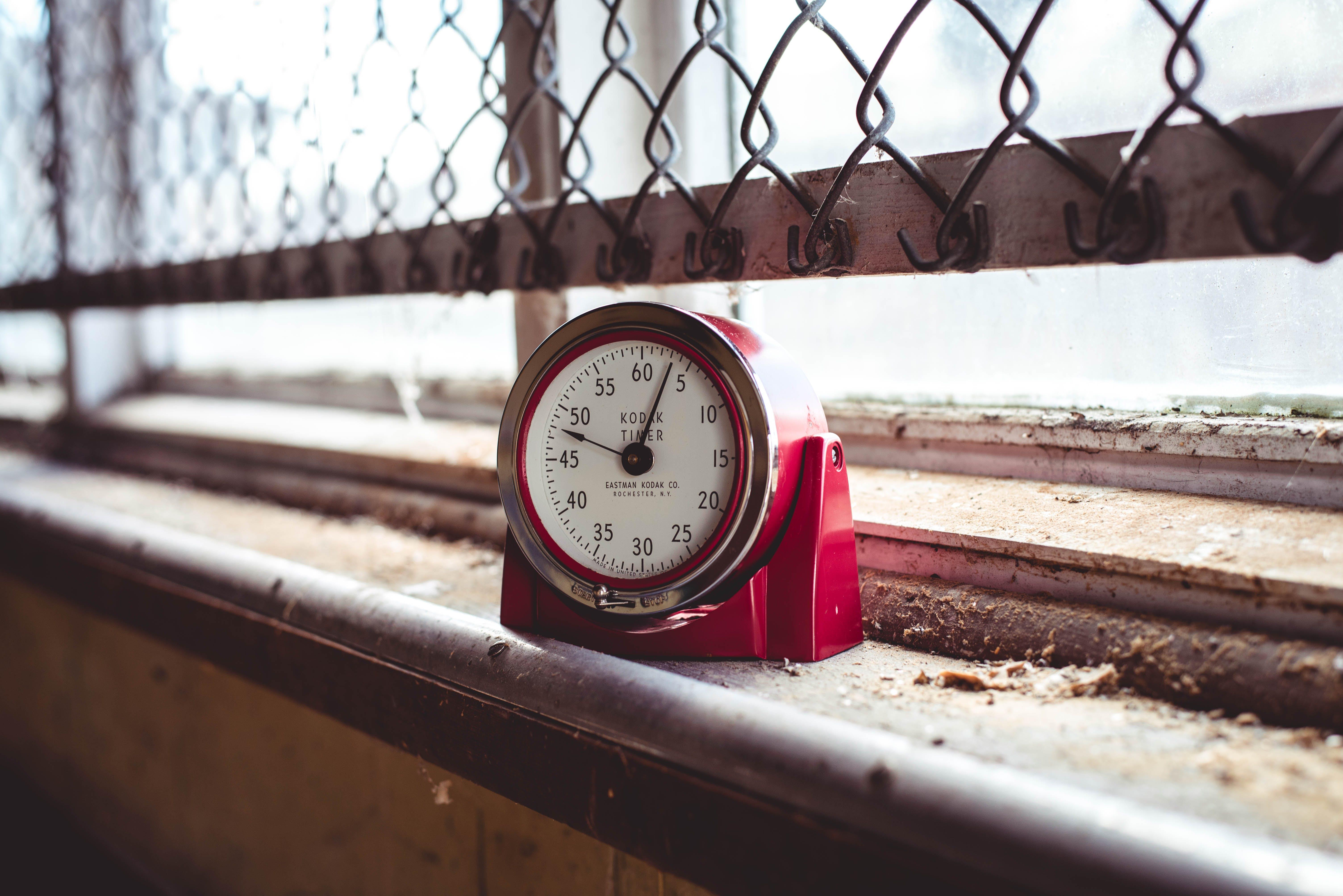 Photos gratuites de chiffres, couleur, grillage, horloge