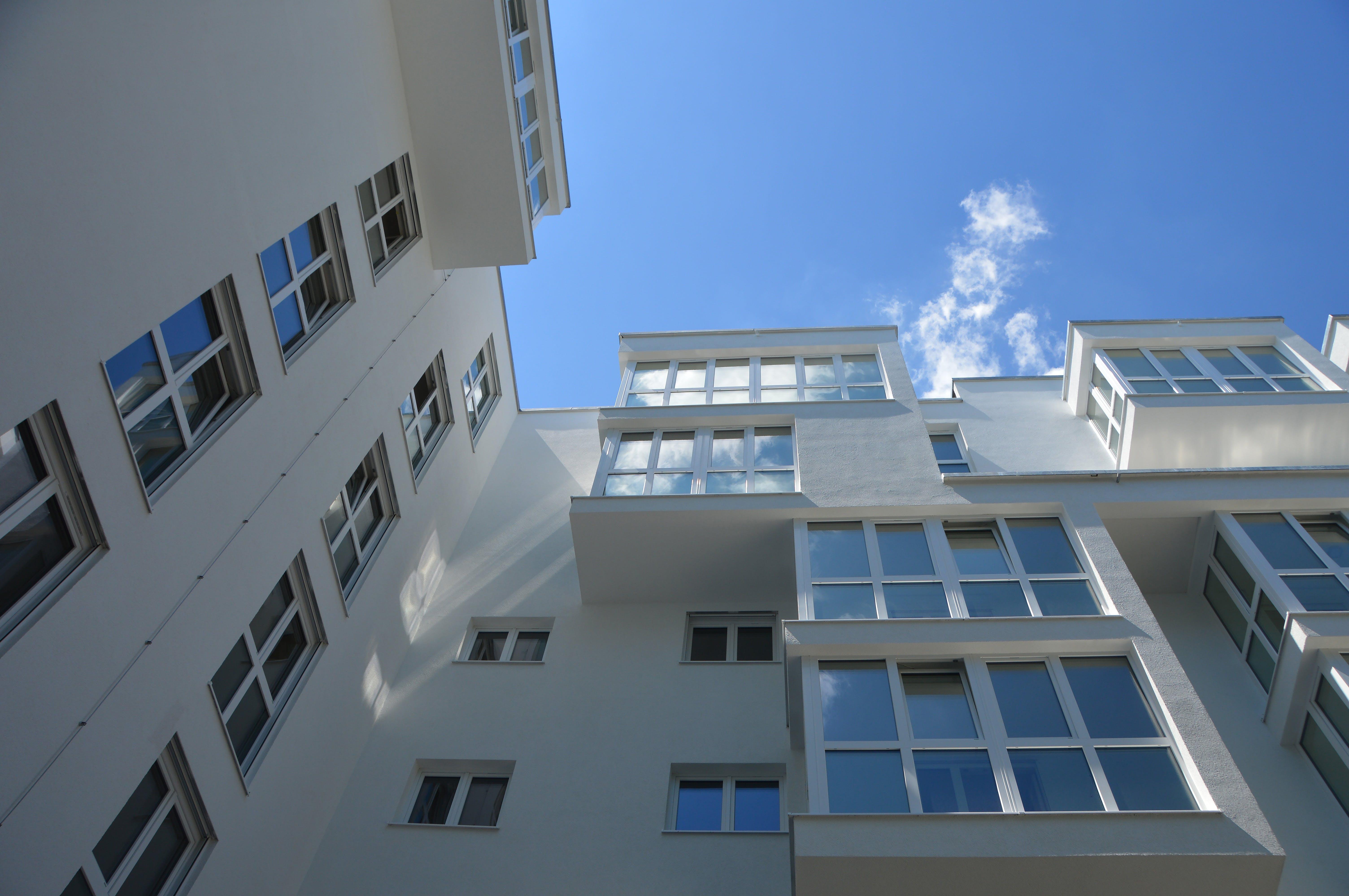 アパート, ガラス窓, コンテンポラリー, シティの無料の写真素材