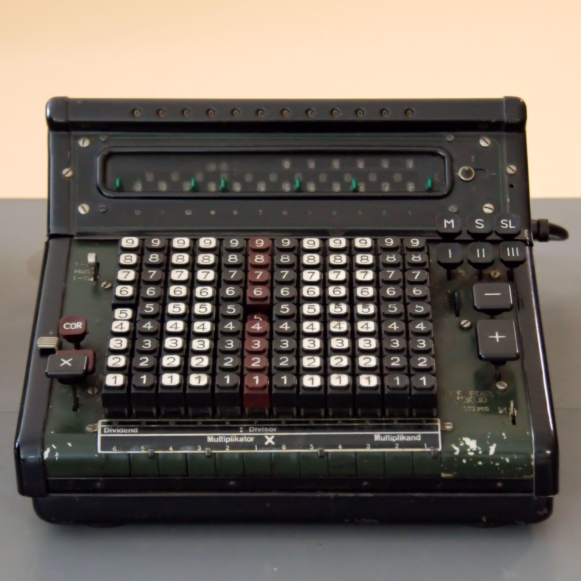 Darmowe zdjęcie z galerii z analogowy, biuro, dane, elektronika