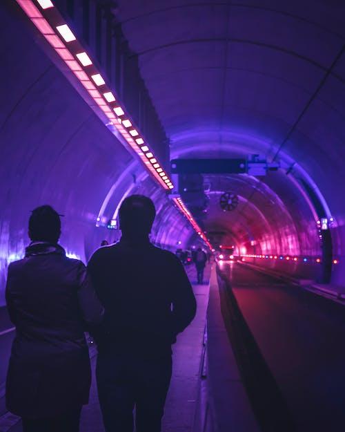 Бесплатное стоковое фото с urbex, автомобильные огни, голубой, город
