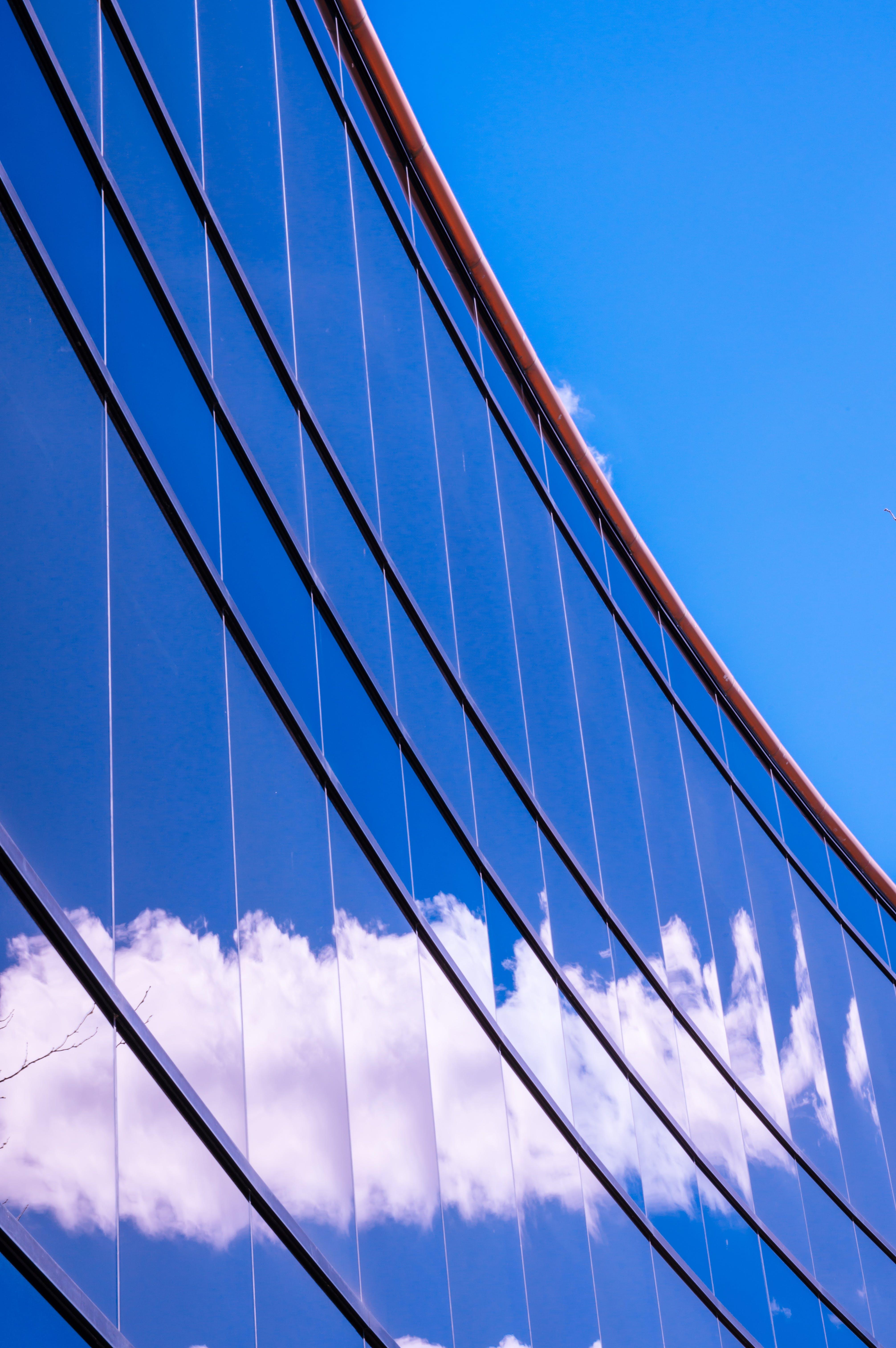 Безкоштовне стокове фото на тему «архітектура, бізнес, Будівля, відображення»