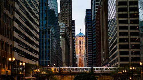 Gratis stockfoto met architectuur, binnenstad, chicago, gebouwen