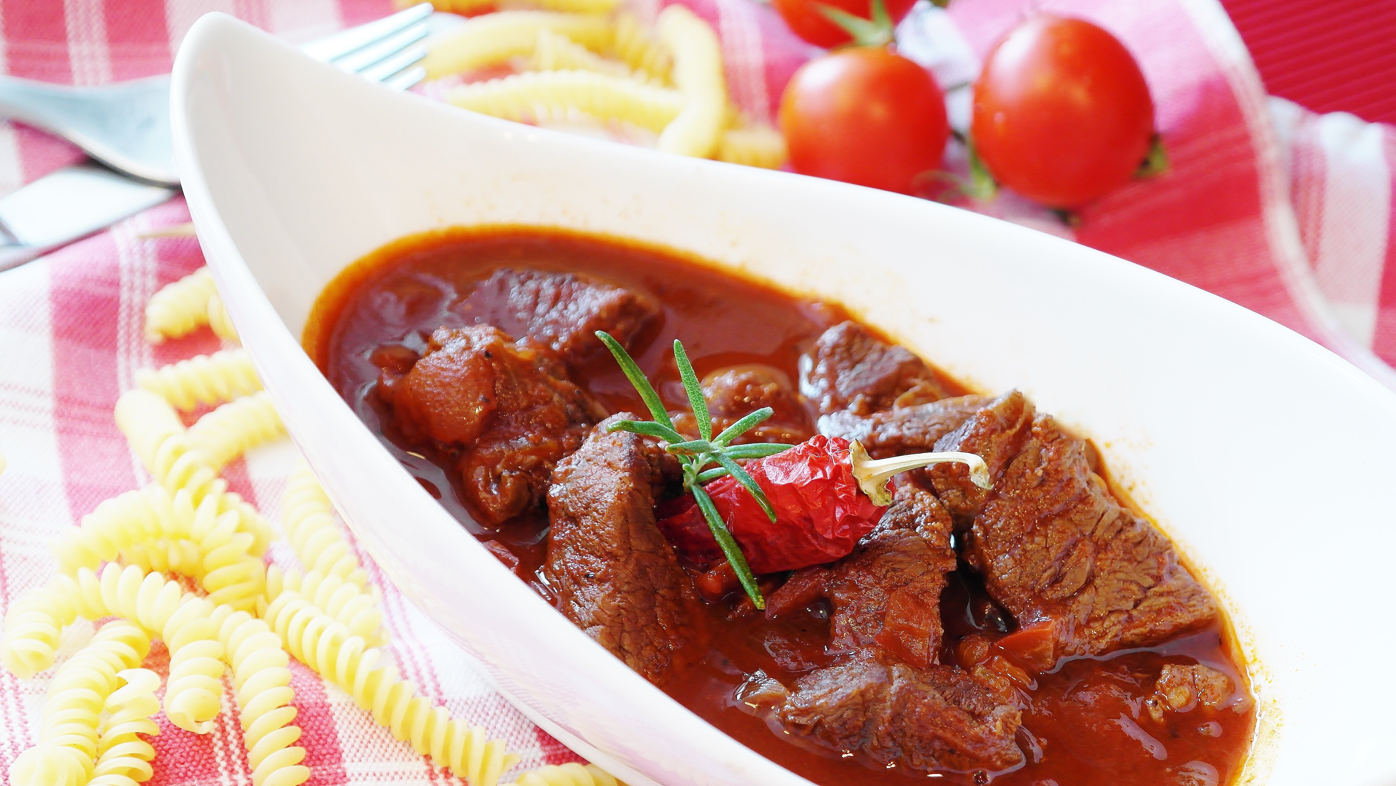Cooked Beef With Sauce on Ceramic Bowl
