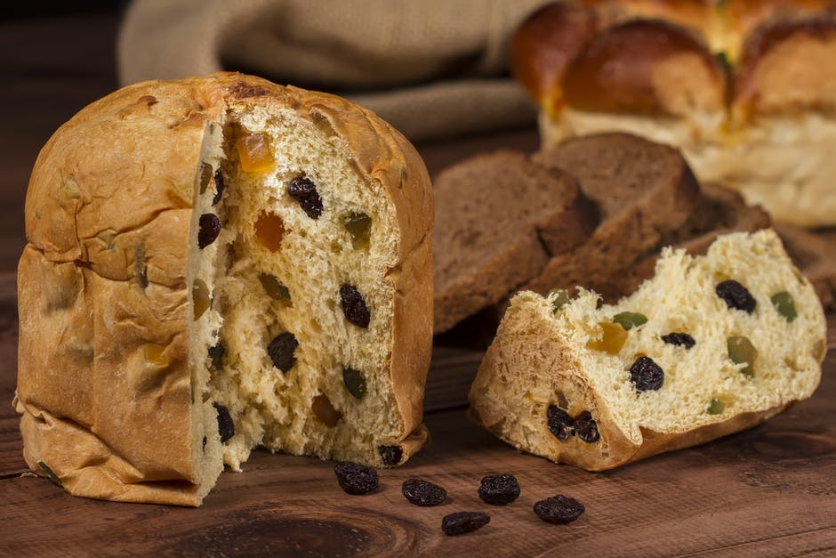 Brown Bread With Raisin Fillings