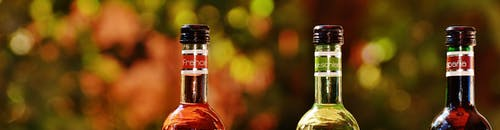 Fotobanka sbezplatnými fotkami na tému alkohol, fľaša vína, fľaše, krémové fľaše