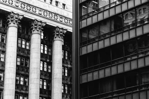 Základová fotografie zdarma na téma architektura, budovy, černobílý, exteriér budovy