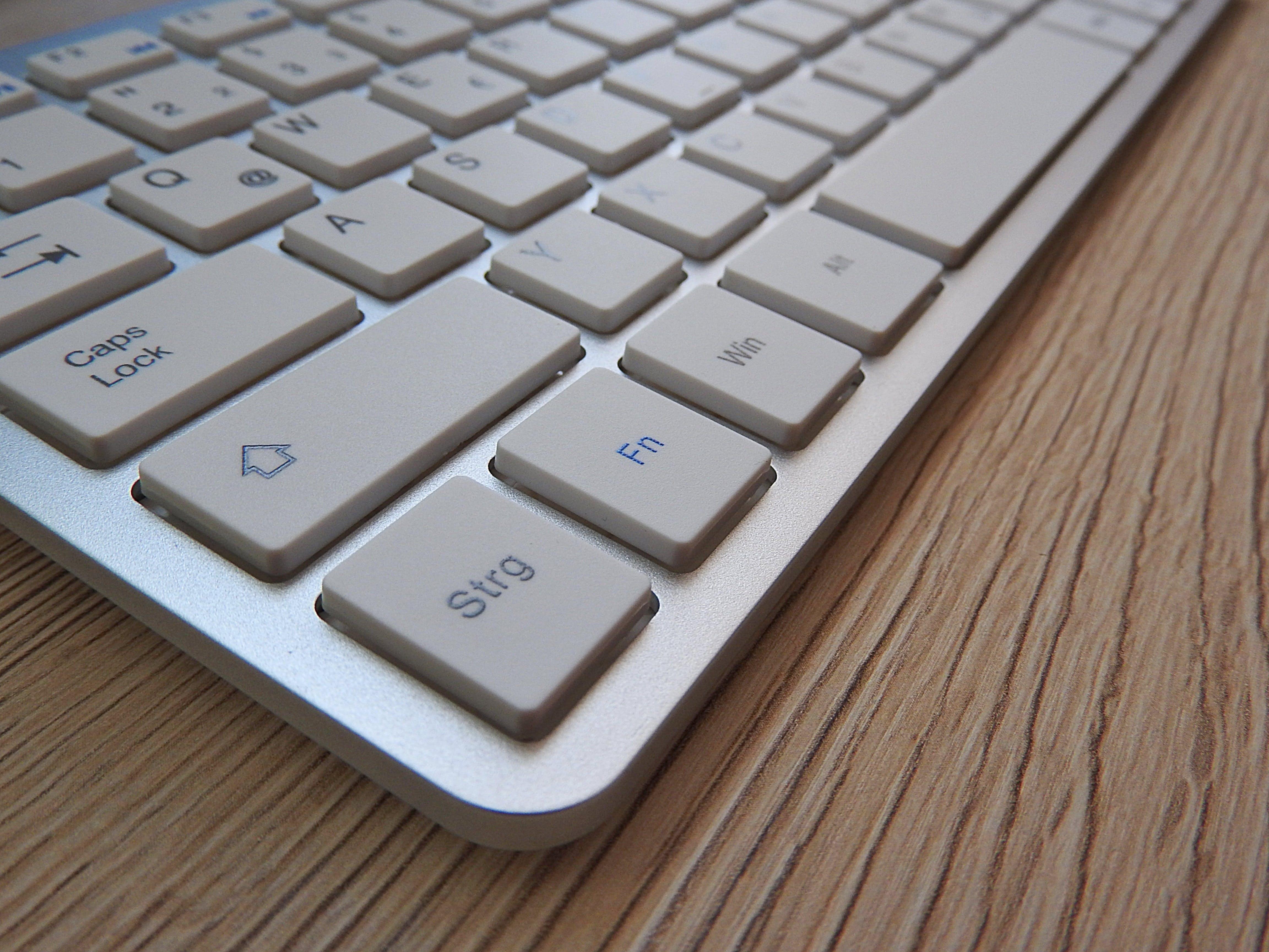 Kostenloses Stock Foto zu ausrüstung, bildschirm, büro, computer
